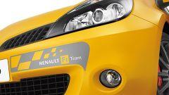 Renault Clio F1 Team R27 - Immagine: 23