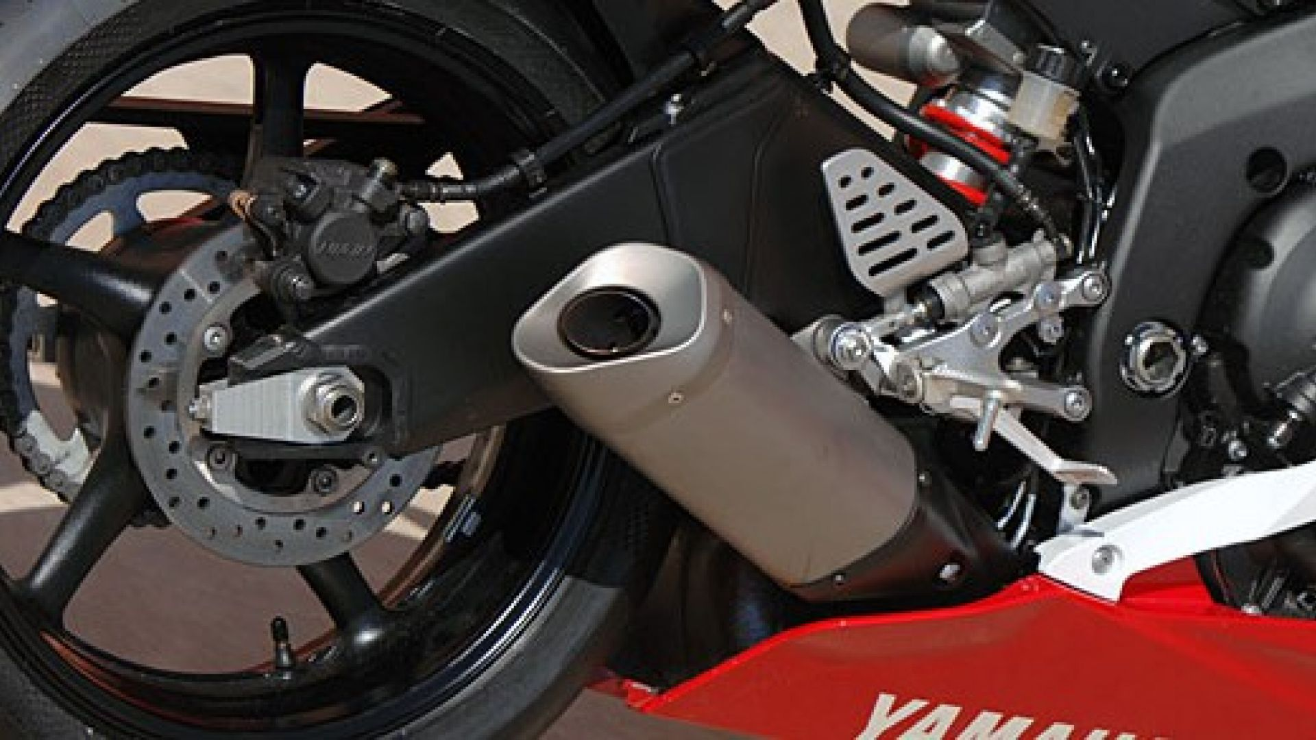 Immagine 4: Yamaha R6