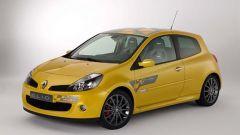 Renault Clio Renault F1 Team R27 - Immagine: 1