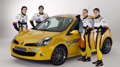 Renault Clio Renault F1 Team R27 - Immagine: 3