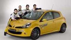 Renault Clio Renault F1 Team R27 - Immagine: 4