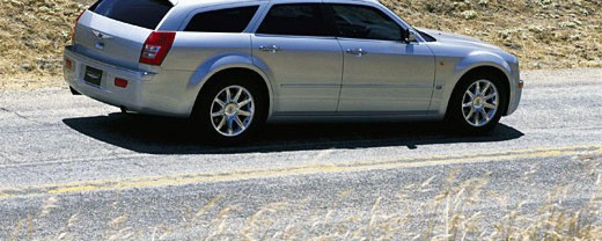 Test drive chrysler 300c 3 0 crd v6 touring motorbox for Chrysler 300c crd