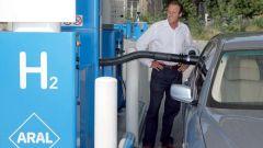 Bmw Serie 7 Hydrogen: ora è in vendita - Immagine: 7