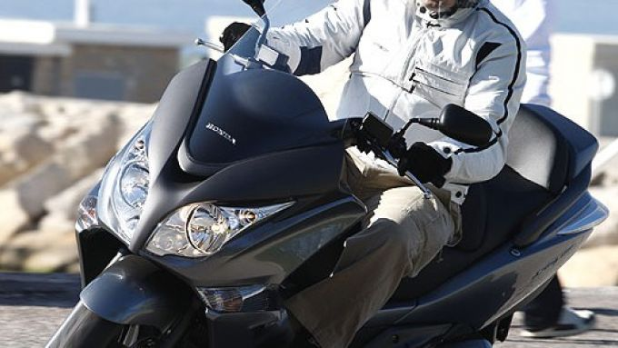 Immagine 5: Honda SW-T400 2009