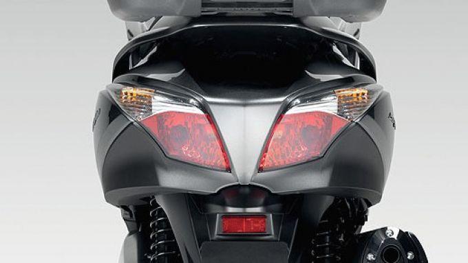 Immagine 11: Honda SW-T400 2009