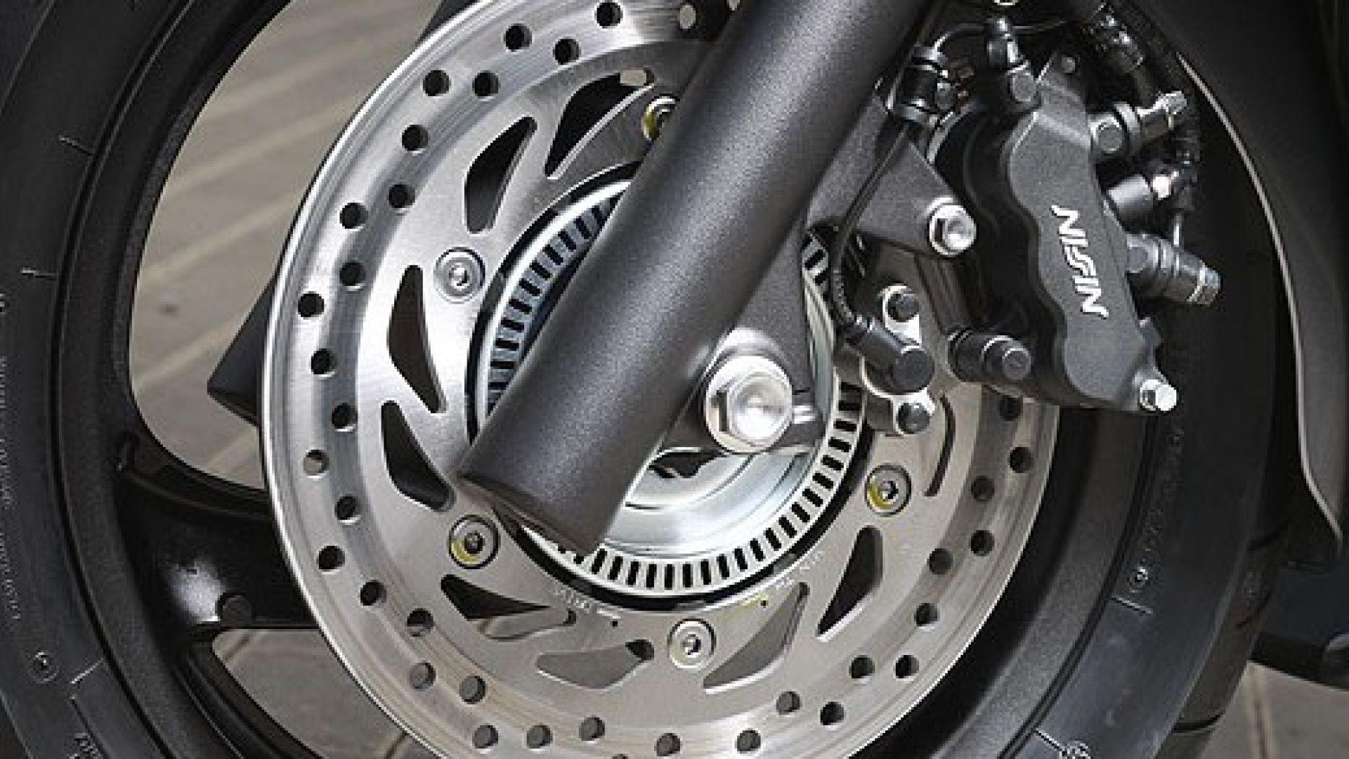 Immagine 13: Honda SW-T400 2009