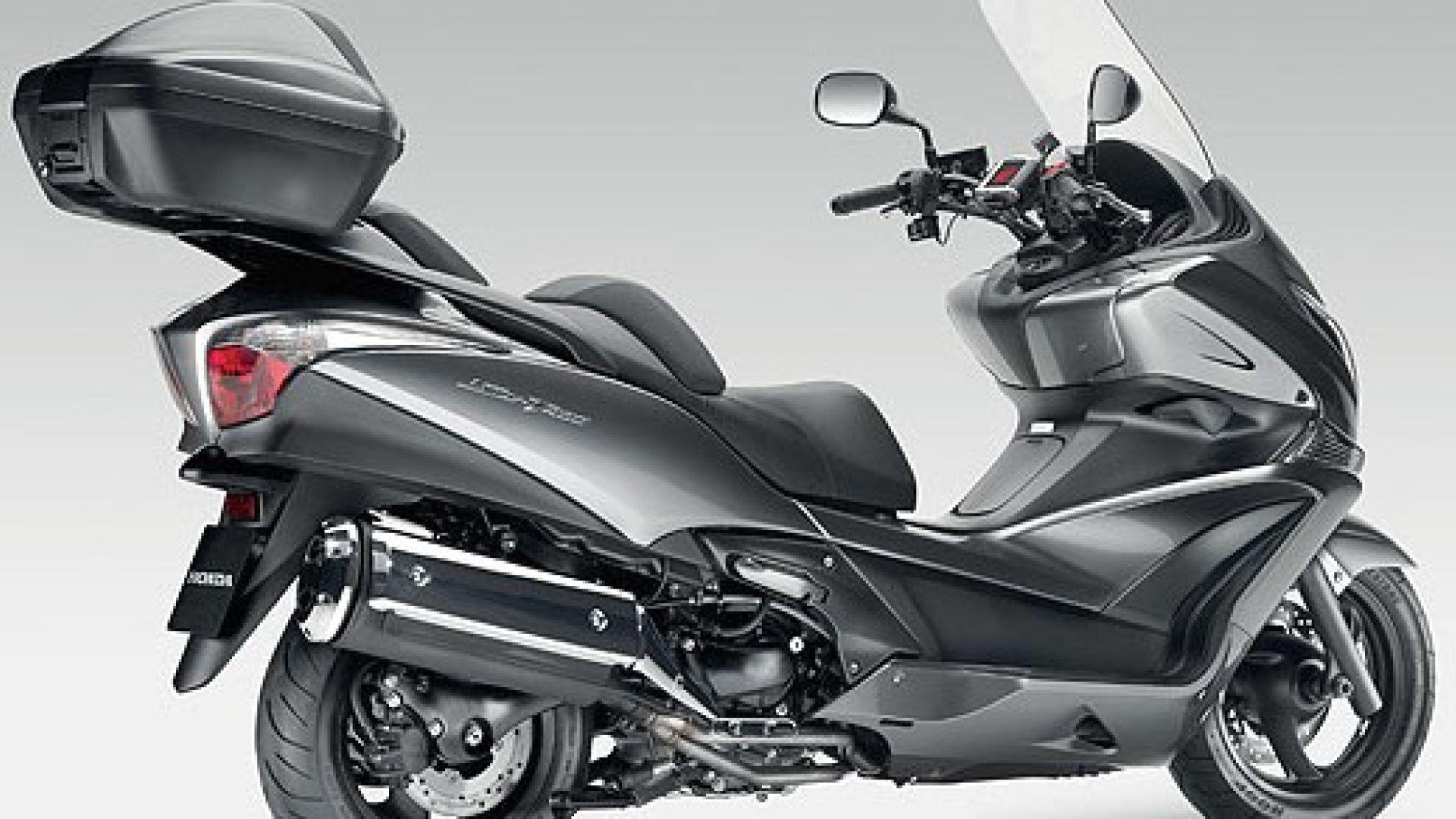 Immagine 16: Honda SW-T400 2009