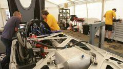 JCB DieselMax: come è fatta l'auto del record - Immagine: 42