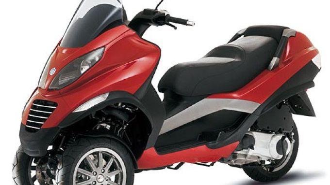 Immagine 4: Piaggio MP3, lo scooter con tre ruote