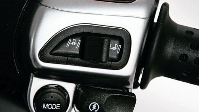 Immagine 11: Piaggio MP3, lo scooter con tre ruote