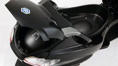 Piaggio MP3, lo scooter con tre ruote - Immagine: 13