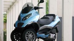 Piaggio MP3, lo scooter con tre ruote - Immagine: 15