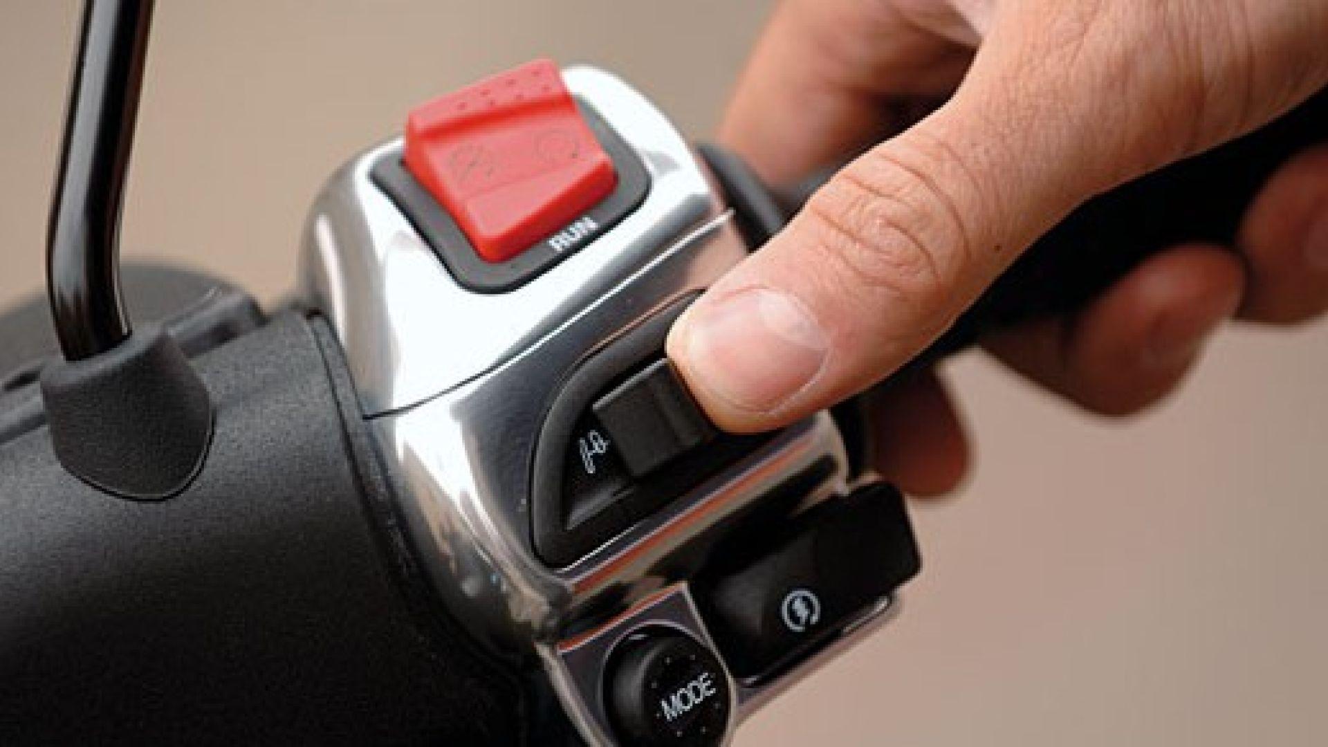 Immagine 18: Piaggio MP3, lo scooter con tre ruote