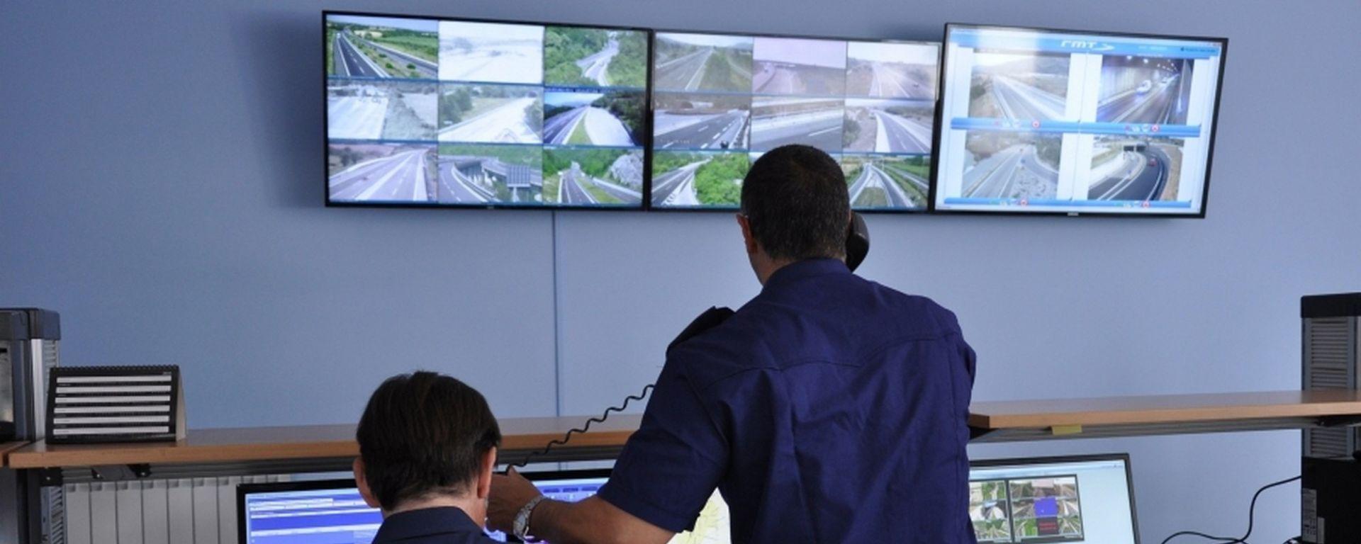 I Centri operativi autostradali: una telefonata vi accorcia la guida