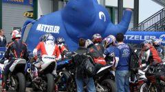 METZELER RACE DAY: elefanti in pista - Immagine: 3