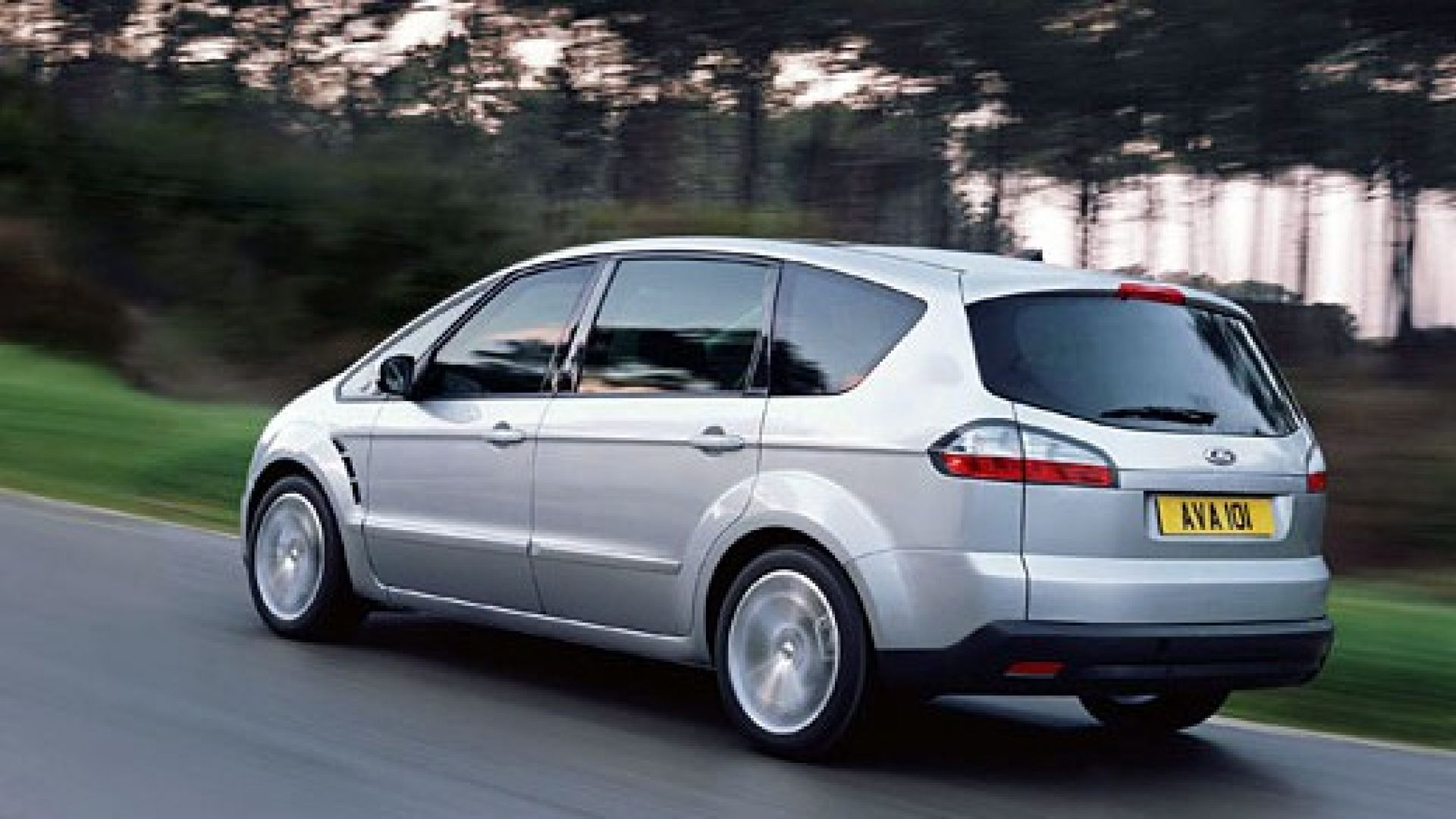 Anteprima:: Ford S-Max - MotorBox