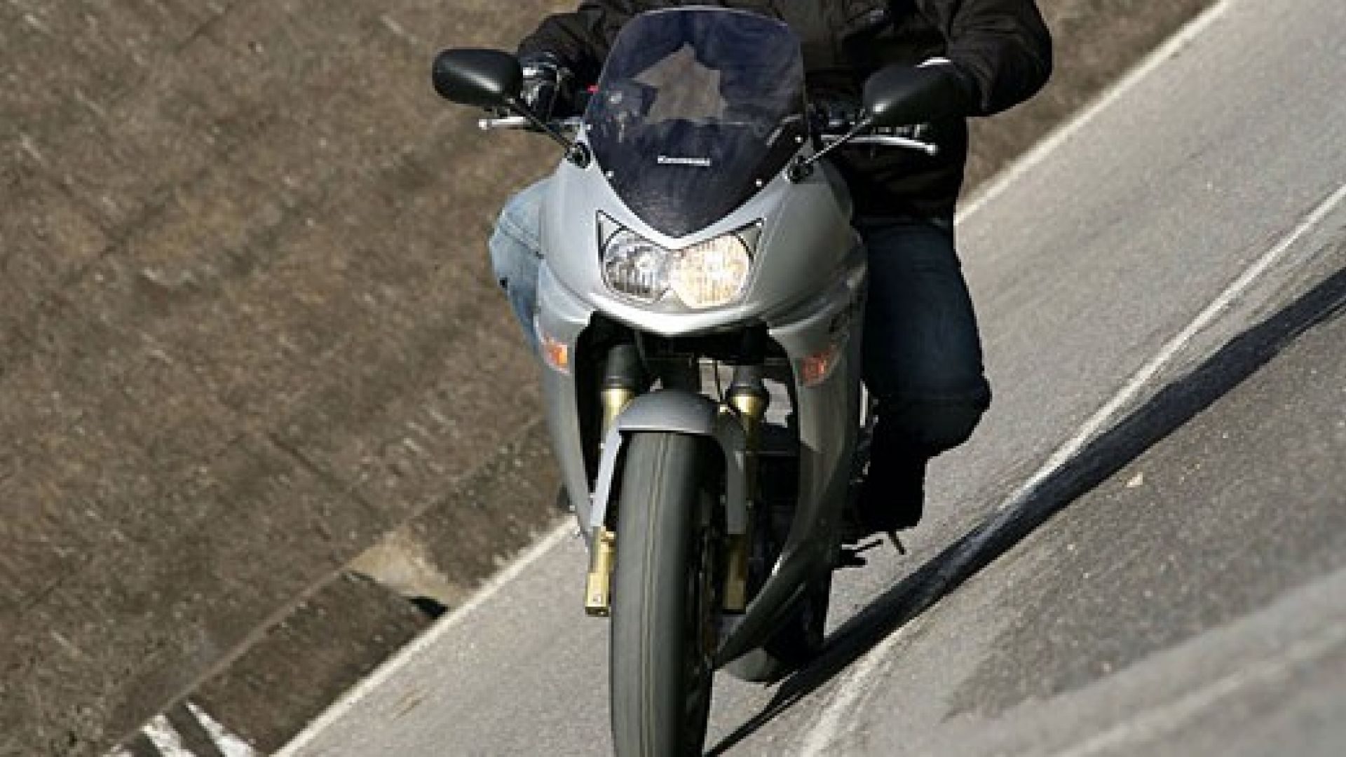 Immagine 27: Kawasaki ER-6F