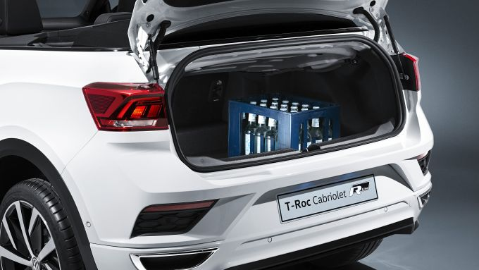 Vento tra i capelli con la nuova Volkswagen T-Roc Cabriolet