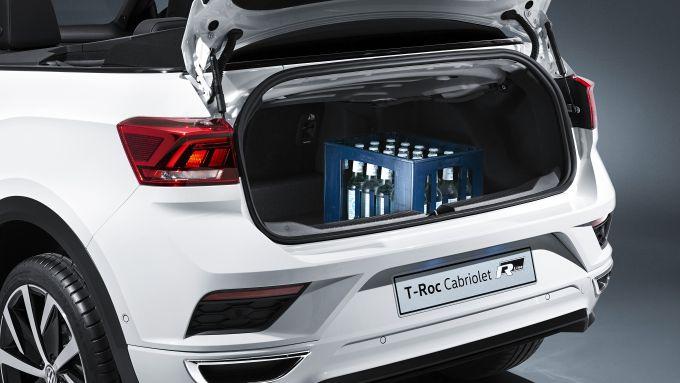 Volkswagen T-Roc Cabriolet: l'apertura del vano di carico