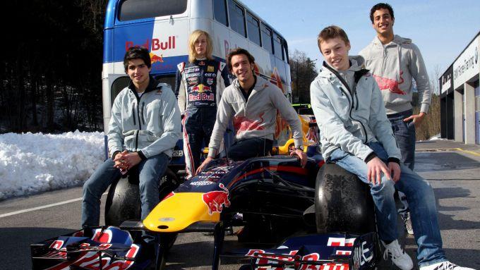 I tanti volti del Red Bull Junior Team nel 2010: Sainz, Hartley, Vergne, Kvyat e Ricciardo