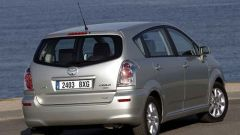 Toyota Corolla Verso 2.2 D-4D e D-CAT - Immagine: 18