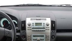 Toyota Corolla Verso 2.2 D-4D e D-CAT - Immagine: 23
