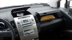 Toyota Corolla Verso 2.2 D-4D e D-CAT - Immagine: 24