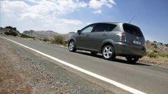 Toyota Corolla Verso 2.2 D-4D e D-CAT - Immagine: 11