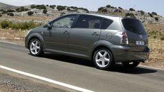 Toyota Corolla Verso 2.2 D-4D e D-CAT - Immagine: 12