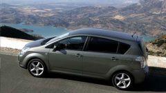 Toyota Corolla Verso 2.2 D-4D e D-CAT - Immagine: 13