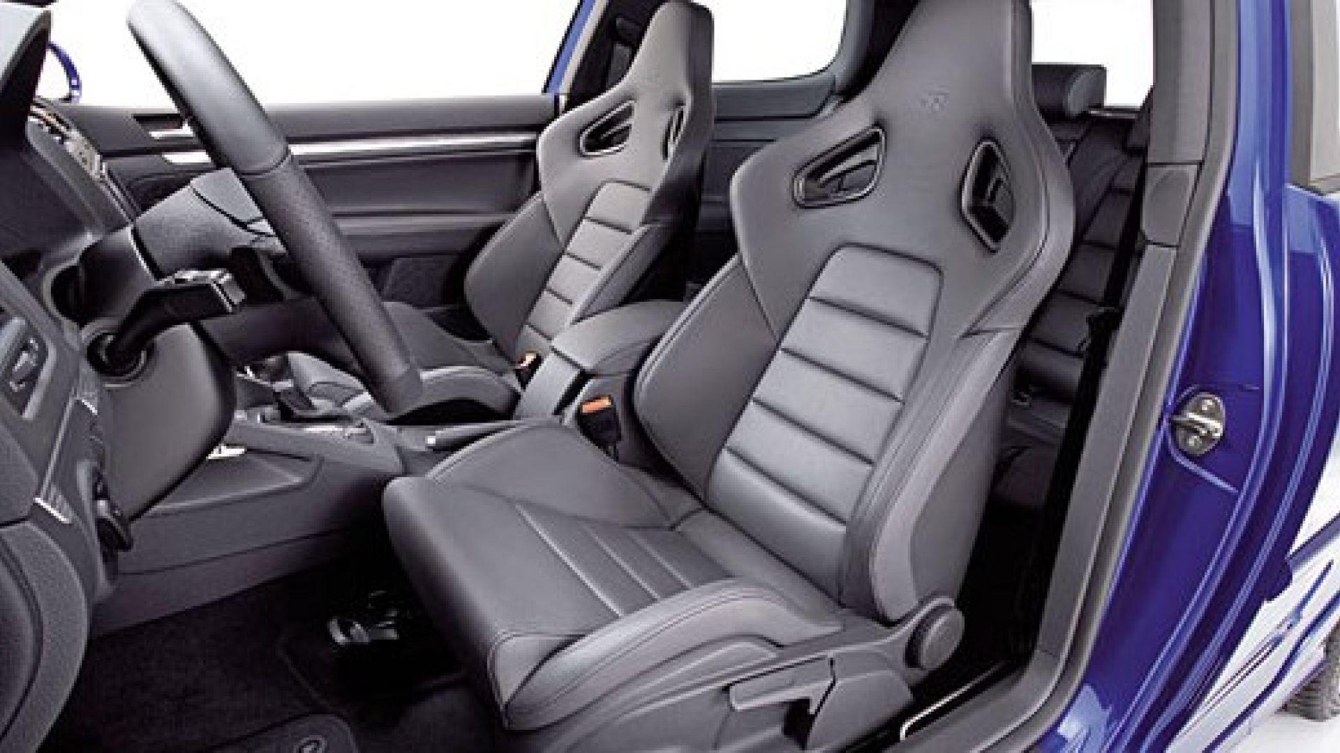 Immagine 2: Volkswagen Golf R32