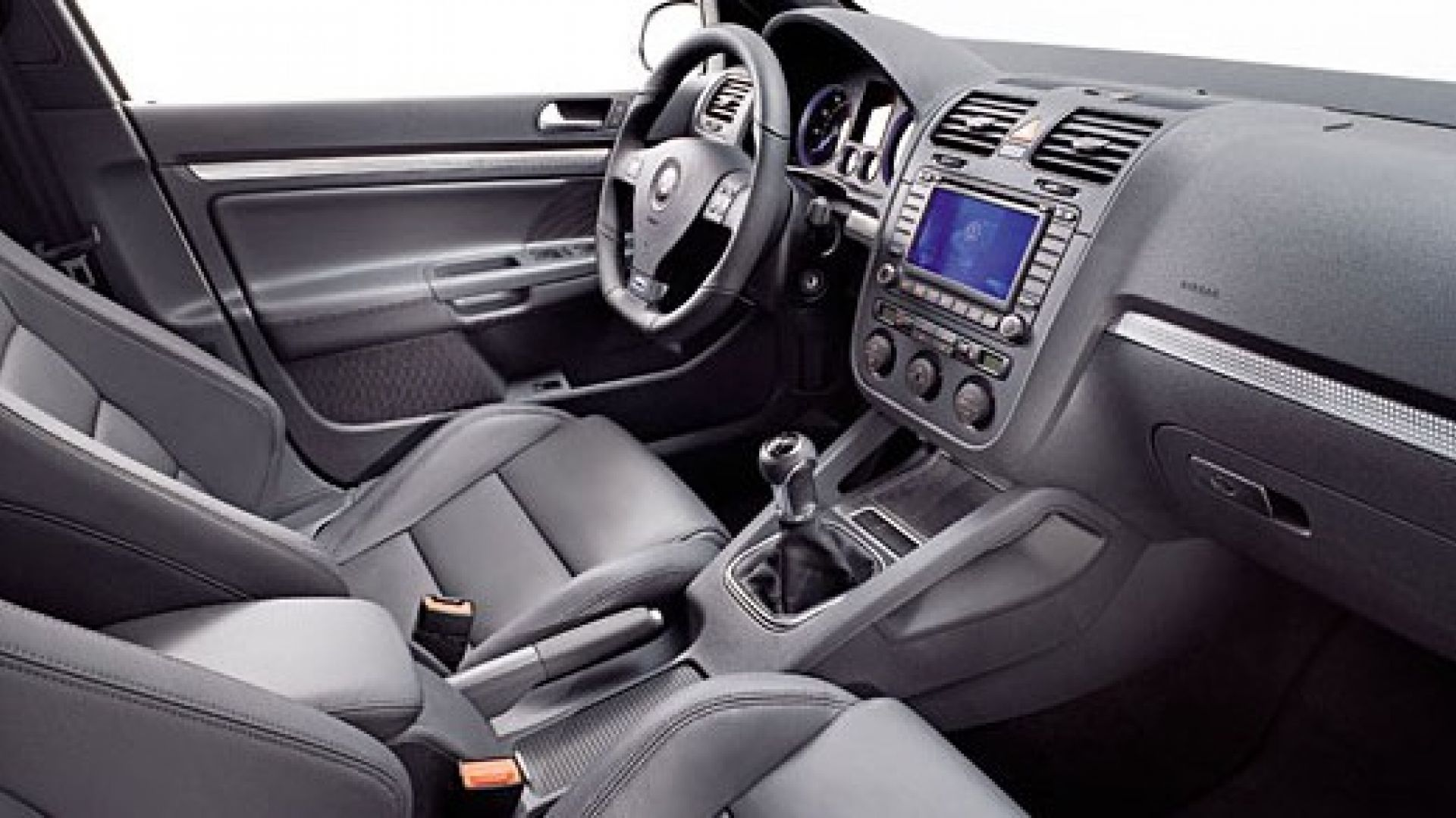 Immagine 1: Volkswagen Golf R32