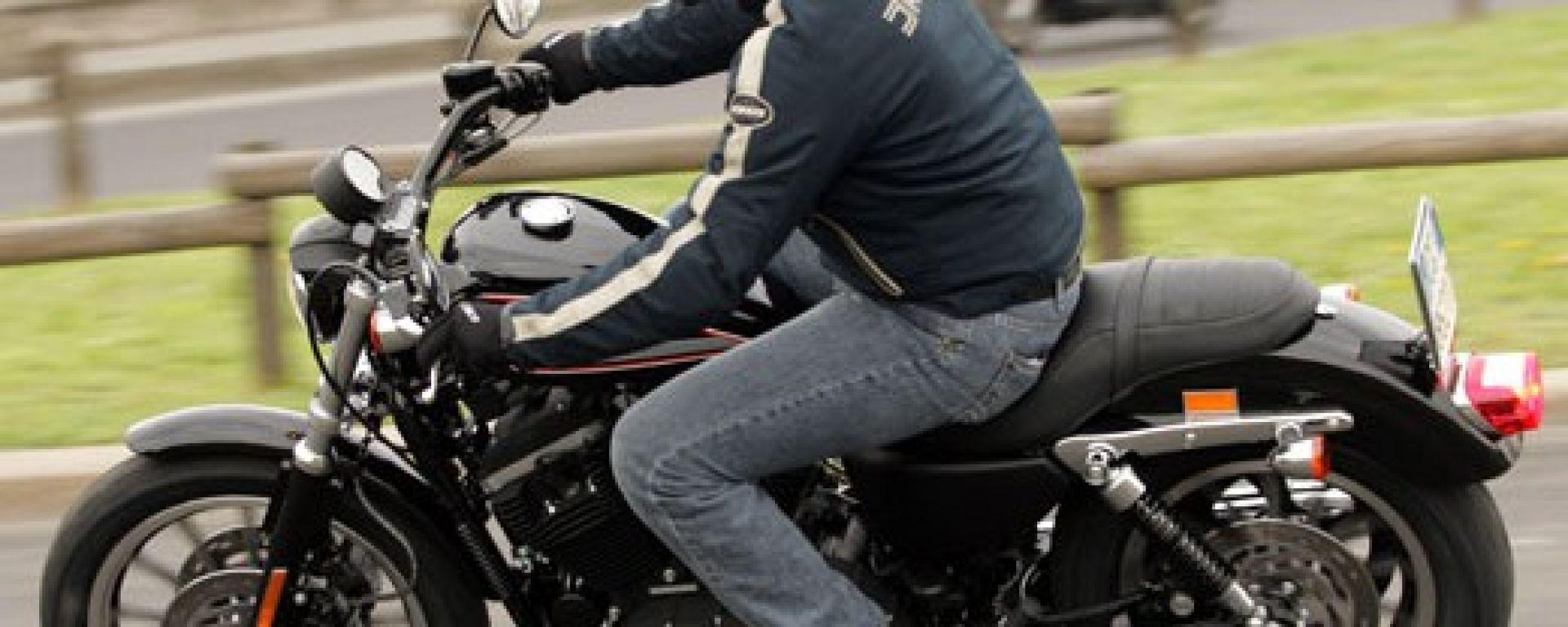 Harley-Davidson 883 R 2005