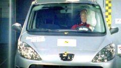 CRASH TEST: Peugeot 1007-Suzuki Swift-Honda FR-V - Immagine: 5