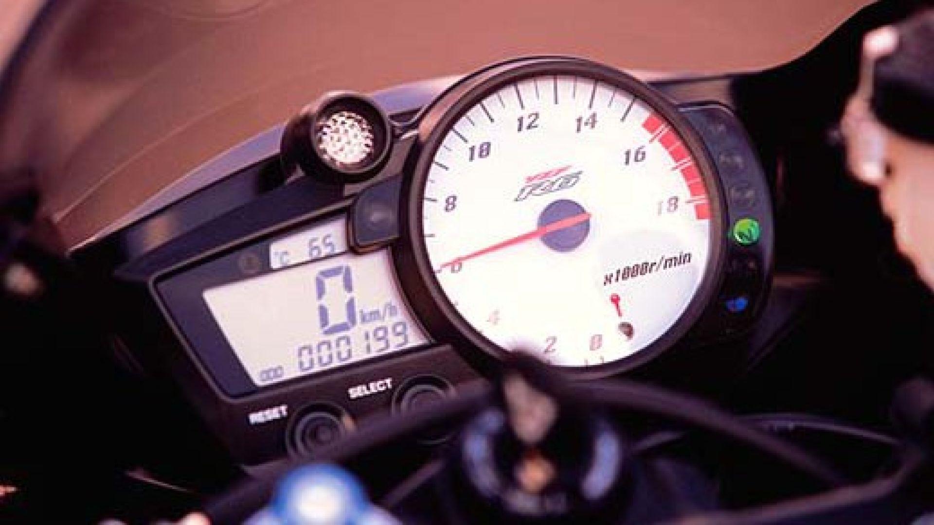 Immagine 18: Yamaha R6 '05