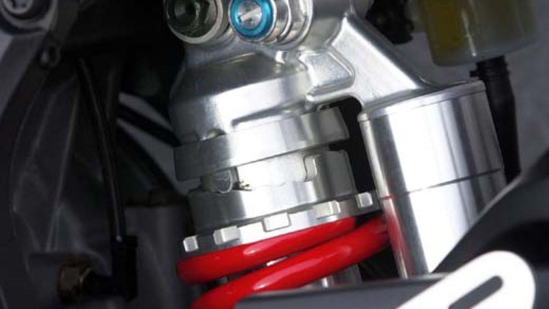 Immagine 28: Yamaha R6 '05