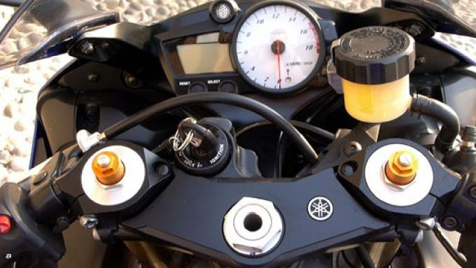 Immagine 7: Yamaha R6 '05