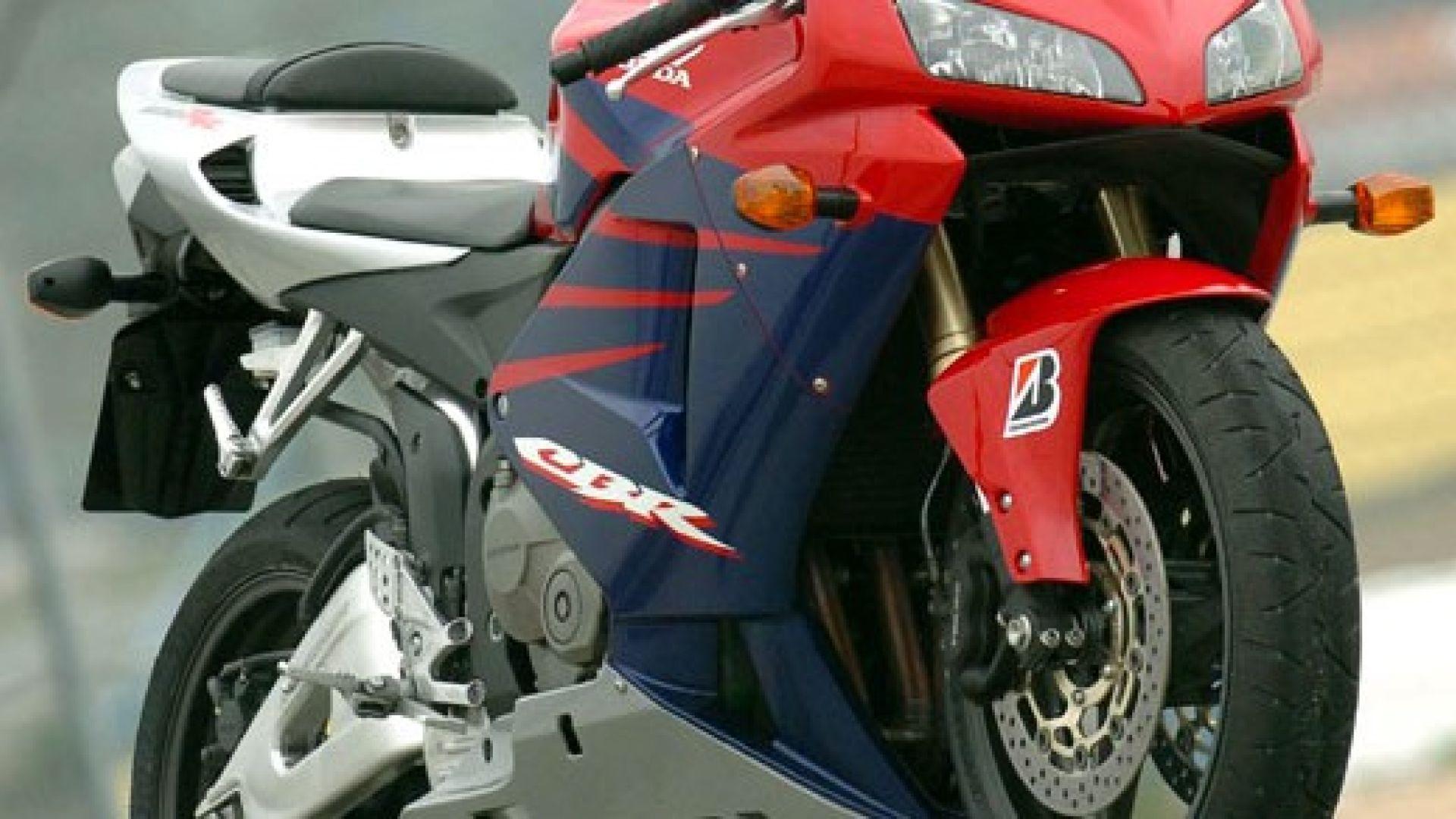In Pista Con Honda Cbr 600 Rr 05 Motorbox