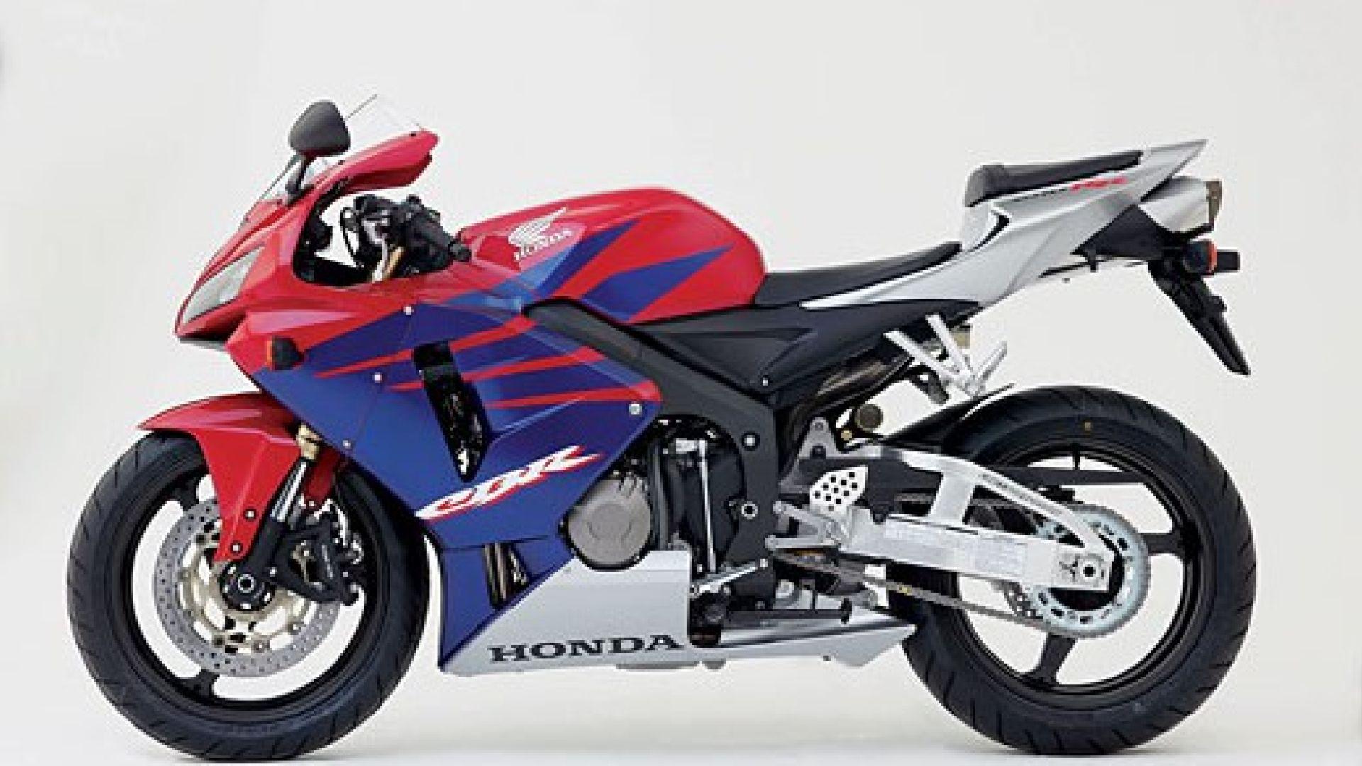 Immagine 23: Honda CBR 600 RR 2005