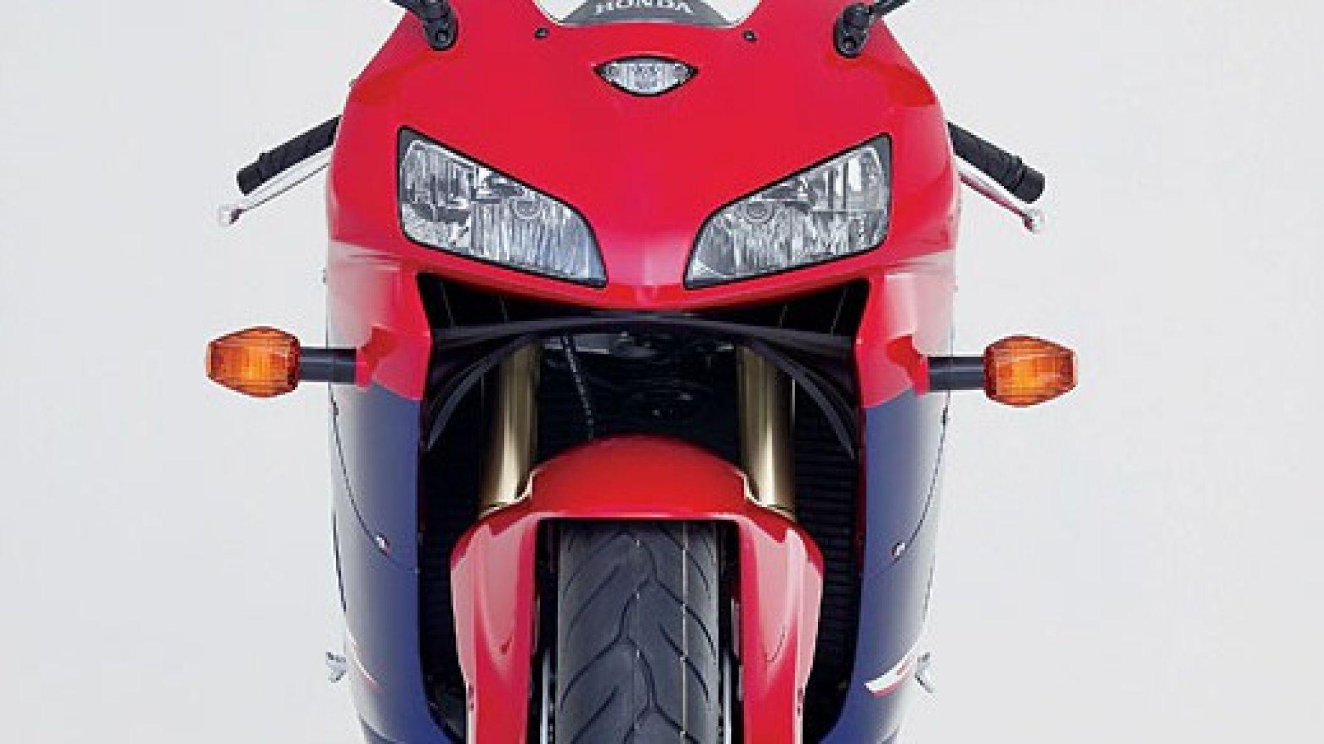 Immagine 2: Honda CBR 600 RR 2005