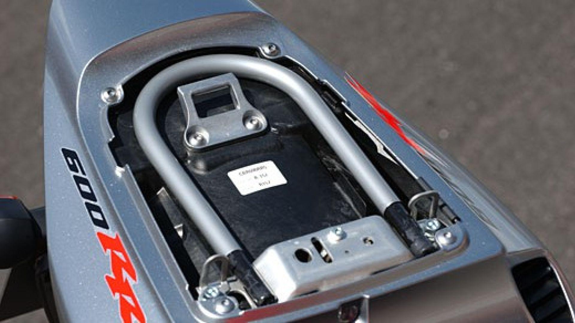 Immagine 6: Honda CBR 600 RR 2005