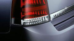 Opel Signum e Vectra 1.9 CDTI - Immagine: 2
