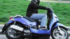 In sella: Kymco People 250 - Immagine: 1