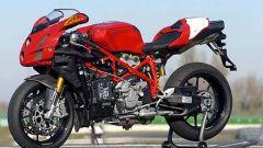 In sella a: Ducati 749R - Immagine: 1