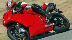 In sella a: Ducati 749R - Immagine: 19