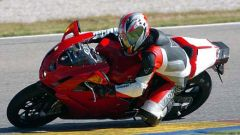In sella a: Ducati 749R - Immagine: 10