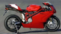 In sella a: Ducati 749R - Immagine: 5
