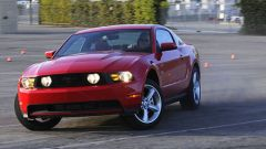 Ford Mustang 2010 - Immagine: 2