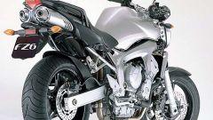 In sella a: Yamaha FZ6 - Immagine: 20
