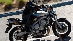 In sella a: Yamaha FZ6 - Immagine: 25